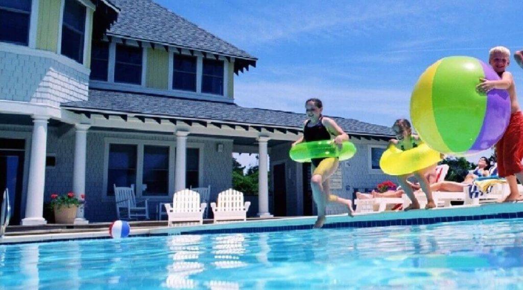 consejos seguridad baño piscina Garresoler correduría seguros
